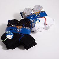 Boys (8-20) GOLDTOE(R) 6 Pack Quarter Socks S, Black