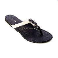Nautica Wherry Flip Flop Sandals 6 M, Black/White