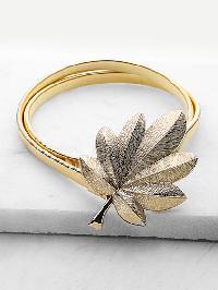 Leaf Shaped Buckle Skinny Belt