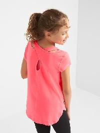 Gapfit Kids Breathe Crisscross Tee - Sassy pink