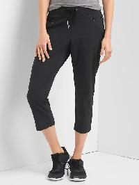 Gap Rec Tech Hiking Capris - True black