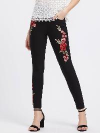 Embroidered Flower Patch Pocket Detail Leggings