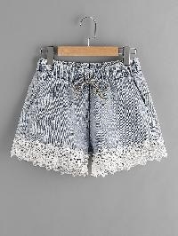 Contrast Lace Hem Drawstring Denim Shorts